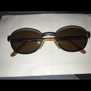 Other - REVO Vintage Polarized Sunglasses And Case